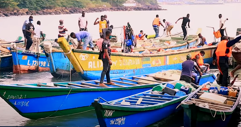 pêcheurs gabonais